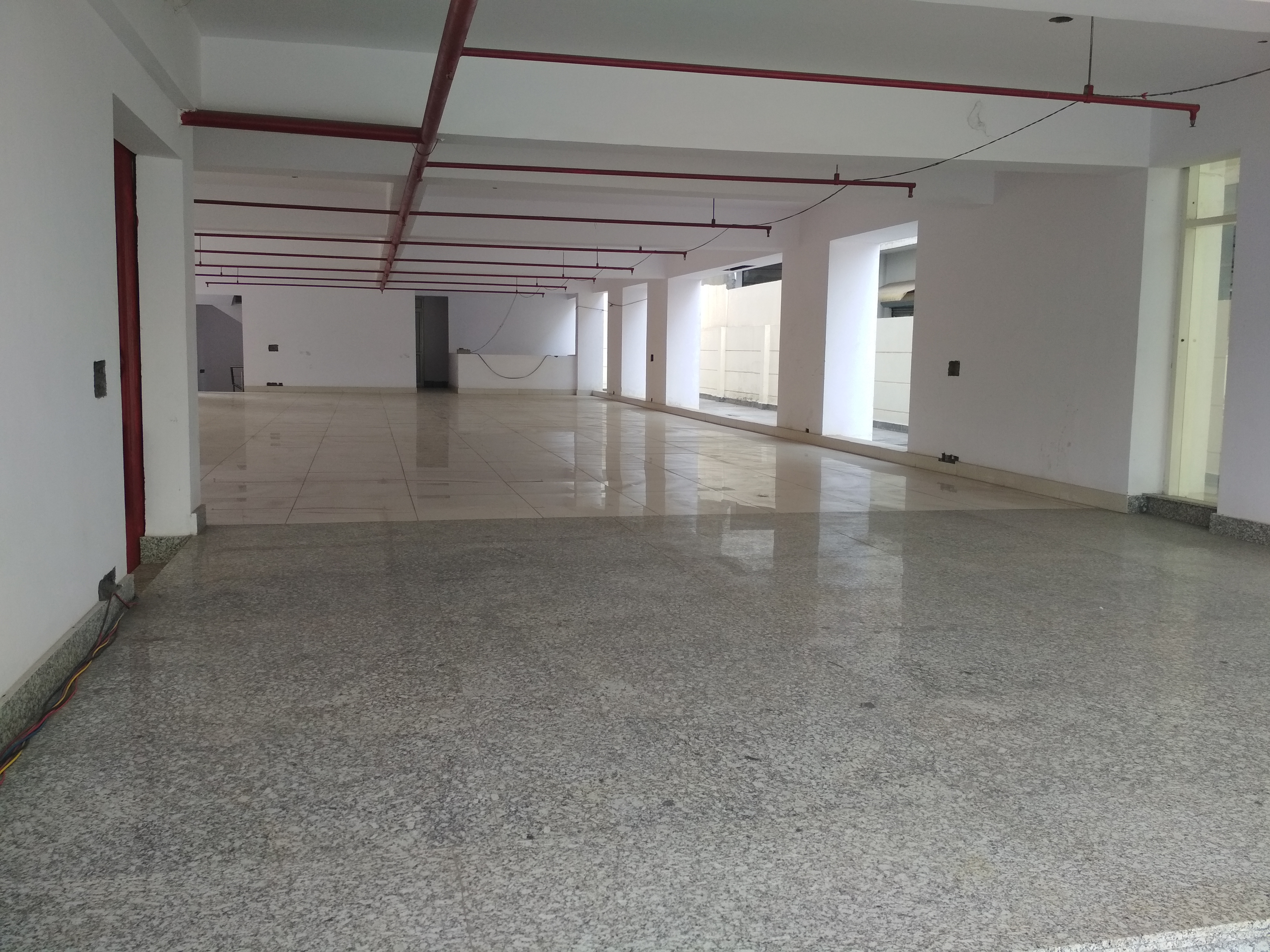 Expediently located unfurnished space with plug n play facility