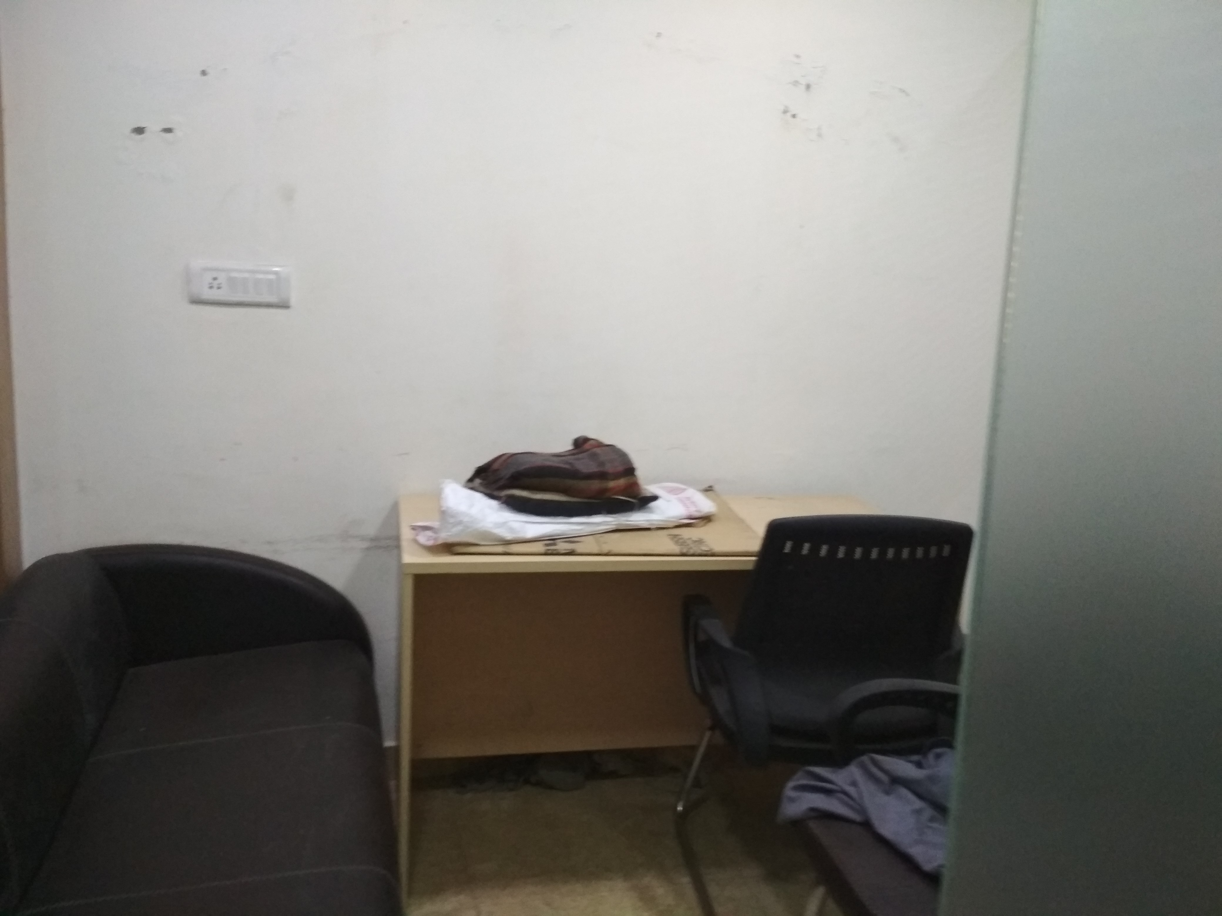 Prime Location Fully Furnished space with plug n play facility.