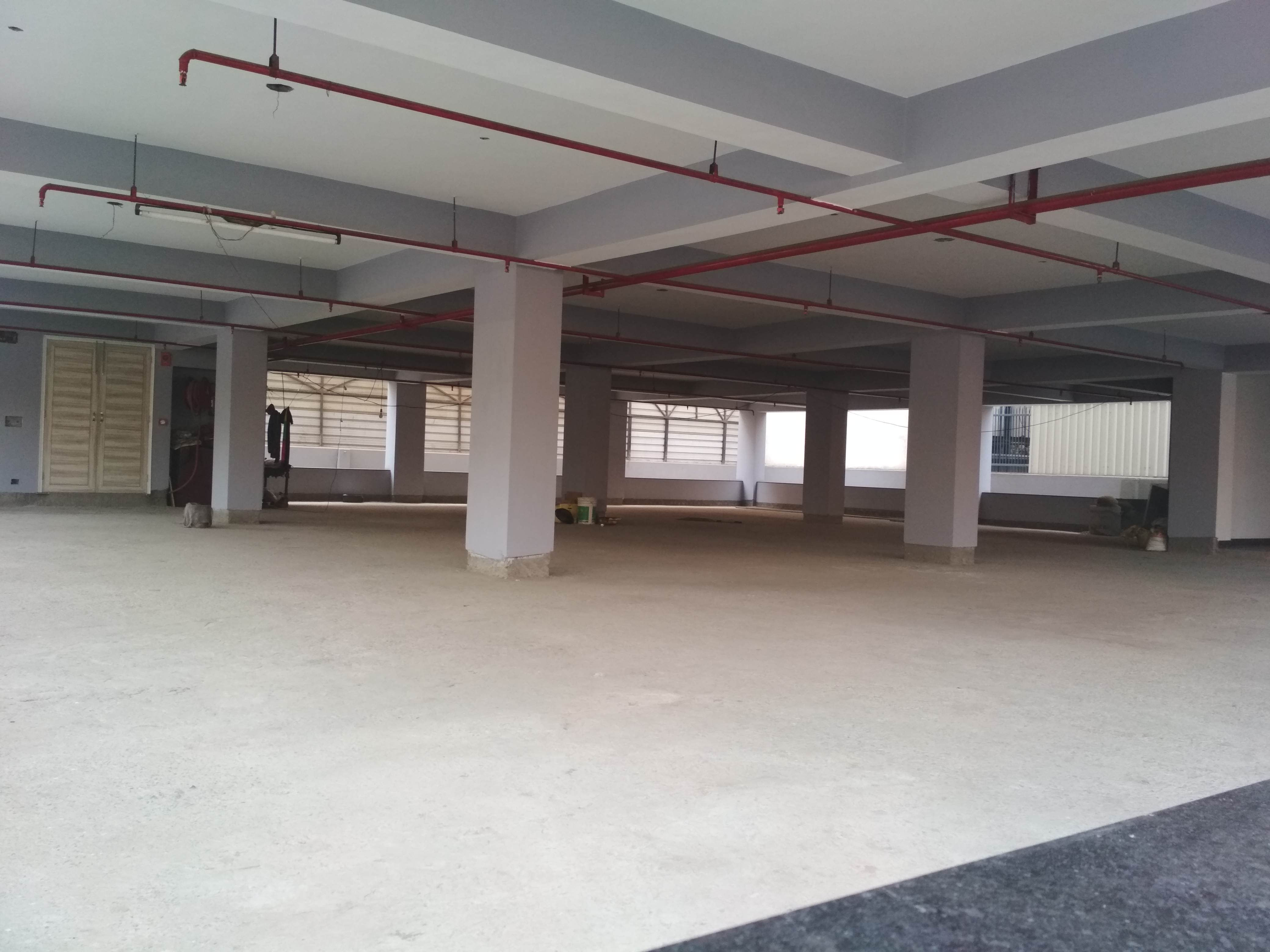 Unfurnished space in institutional area